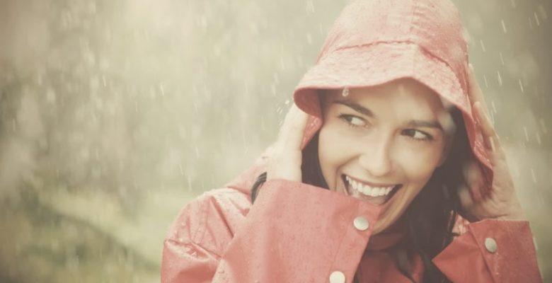 Merawat Kulit Wajah Musim Hujan